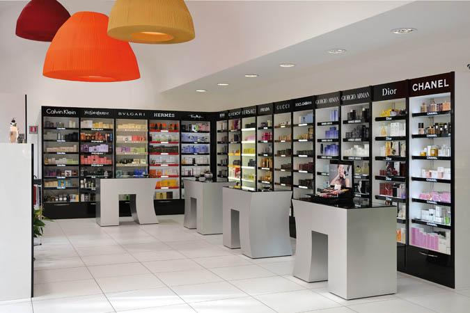 arredamenti per locali pubblici e negozi su misura stefra