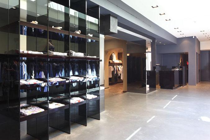 Arredamenti per locali pubblici e negozi su misura stefra for Prisma arredo negozi